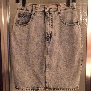 Vintage Jordache acid-washed jean skirt 11/12